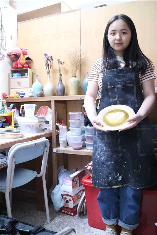 黃靖雅-陶瓷展【盛豔】